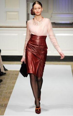oscar-de-la-rental-2012-prefall-high-waisted-red-leather-skirt.jpg