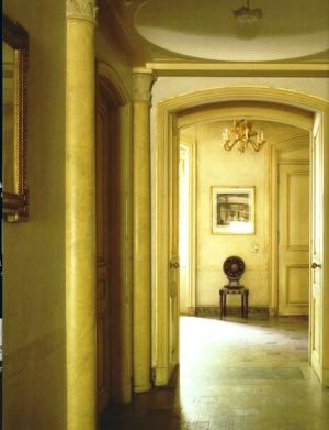 Hallway - Bunny Mellon - upper east side pied a terre