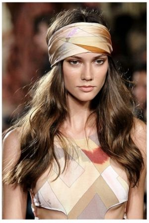 Emillio Pucci Spring_Summer 2011 headscarf fashion.jpg