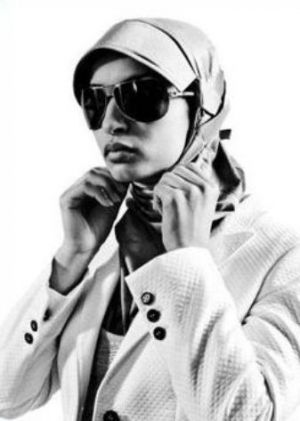 Hair trends - Noor DIzar 2010 hijab head scarves.JPG