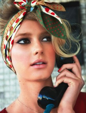 Headscarves - photos of hair trends.jpg
