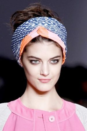 headscarves - marc-by-marc-jacobs-rtw-ss2013-details.jpg