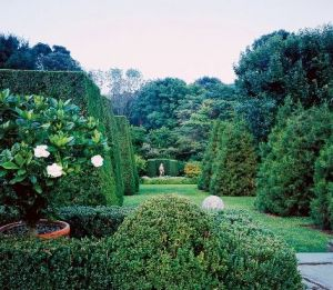 Double horseshoe hedge of Oscar de la Renta Connecticut garden.jpg