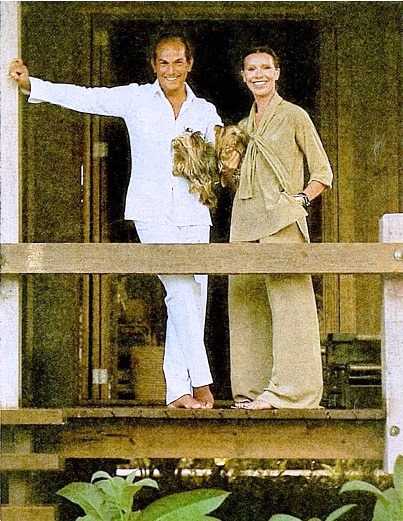 Oscar De La Renta And His Wife An te In 2004 additionally Oscar De La Renta moreover Best Seller Oscar De La Renta also Homenaje A Oscar De La Renta likewise Oscar La Renta Shows Dazzling Gardens Dominican Republic Beach Retreat. on oscar de la renta home in dominican republic