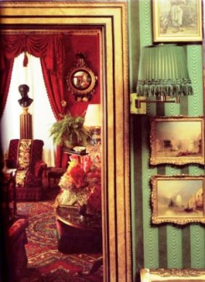 Oscar de la Renta New York apartment - House and Garden December 1985.jpg