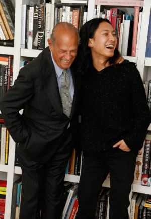 Oscar de la Renta and Alexander Wang in de la Renta New York office.jpg