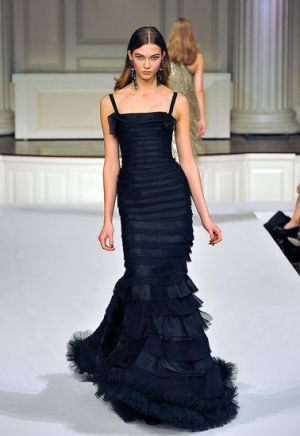 oscar-de-la-renta-fall-winter-2011-2012-13.jpg