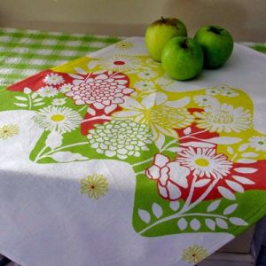 Beautiful floral prints - www.myLusciousLife.com - tablecloth.jpg