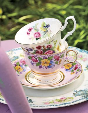 Beautiful floral prints - www.myLusciousLife.com - tea cups.jpg