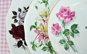 Sophisticated floral - www.myLusciousLife.com - floral china plates.JPG