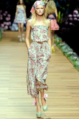 Sophisticated floral - www.myLusciousLife.com - floral fancy runway.jpg