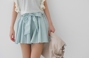 Pastels in fashion - myLusciousLife.com - luscious pastels - pale blue skirt beige handbag white top.png