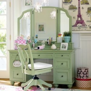 luscious Pastels in fashion - myLusciousLife.com - dressing table desk.jpg