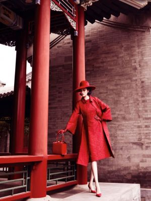 Sui-He-by-Mario-Testino-Portrait-Of-A-Lady-Vogue-China-December-2013-1jpg.jpg