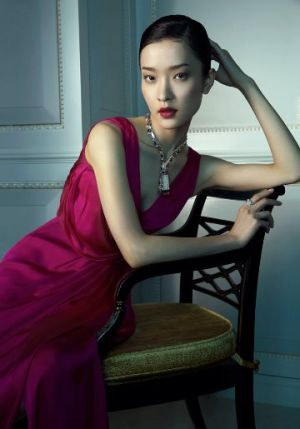 Du Juan and Bonnie Chen - Van Cleef and  Arpels by Richard Ramos.jpg