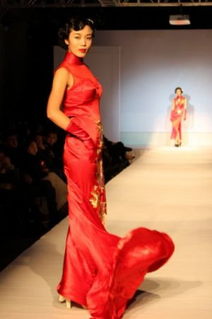 Fashion_show_of_modern_cheongsam.jpg