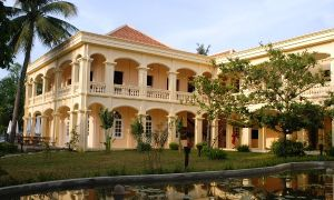 Life Resort Hoian -French colonial architecture.jpg