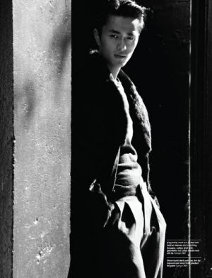 Male model Zhao Lei China Manifesto October-November 2011.jpg