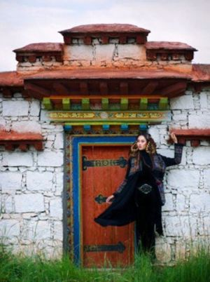 Malina - Tibet fashion editorial.jpg