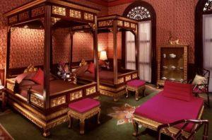 Mandarin_Oriental_Bangkok_Somerset_Suite.jpg