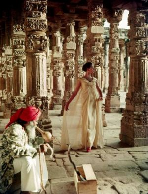 Norman Parkinson in India.jpg