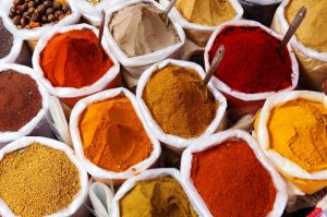 Piles of spice market in India.JPG