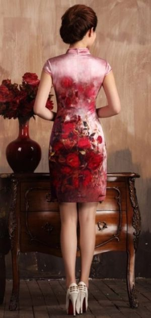 Short-heavy-silk-cheongsam-with-red-rose-print.jpg