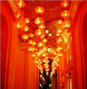 macau at night - red lanterns.jpg