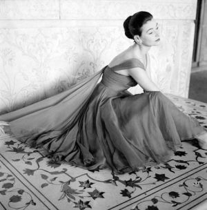 vogue-1956 Norman Parkinson.jpg