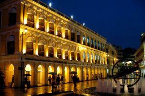 Macau_-_Leal_Senado_by_night.jpg