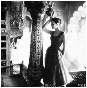 anne-gunning-in-dress-by-susan-small-norman-parkinson-india-vogue-uk-dec-1956.jpg