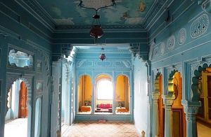 inside-the-palace-udaipur-india.jpg