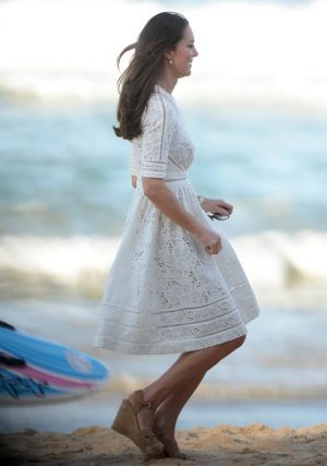 Kate Middleton Catherine of Cambridge wearing Zimmermann in Manley Sydney - royaltour 2014.jpg