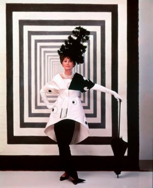 Audrey Hepburn - black and white dress - My Fair Lady.jpg