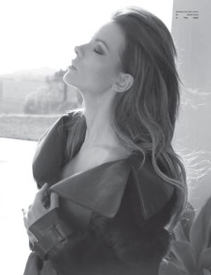 Images of black and white - Kate Beckinsale for Flaunt Magazine.jpg