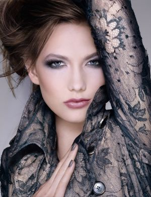 Photos of black and white - Dior-Spring-2011-Makeup-Trend.jpg