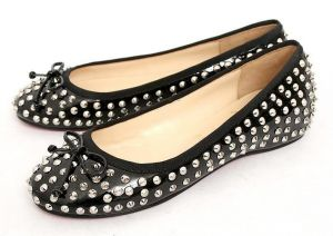 Photos of black and white - christian_louboutin_2010_flats__black_color.jpg