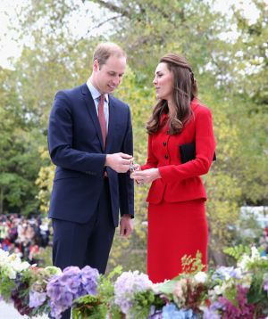 Prince William and Kate charm crowds in Christchurch.jpg