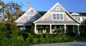 Somethings-Gotta-Give-Hamptons-beach-house-exterior2.jpg
