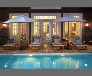 Somethings-Gotta-Give-Hamptons-beach-house-poolside.jpg