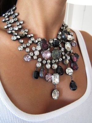 Fabulous necklace via Fashion Diva Design.jpg
