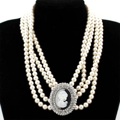 Luscious accessories: Pair it with pearls