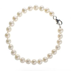 PEARL-BRACELET - be ladylike - photos of elegance.jpg