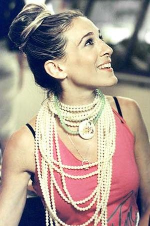 Sarah Jessica Parker - pearls - pearl jewellery photos via mylusciouslife.jpg