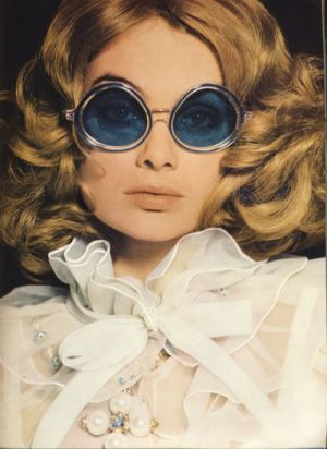 british_vogue_march_15_shrimpton_bailey-ladylike photos - pearls.jpg