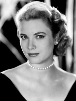 grace-kelly-1953 pearls - elegant and ladylike - pearl photos.jpg