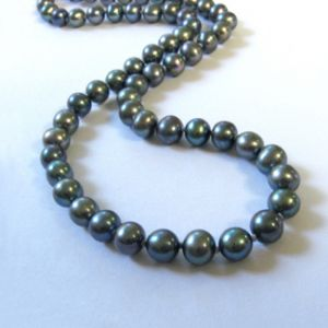 grey-pearls - elegant and ladylike - pearl photos.jpg