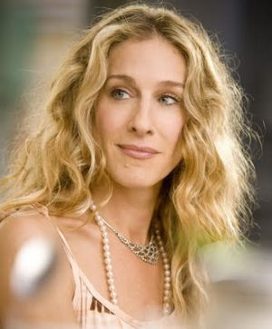 luscious pearl necklace earrings bracelet - carrie_bradshaw_wears_pearl.jpg