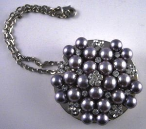luscious pearl photos - Grayprl_Lushive_pursehanger.JPG