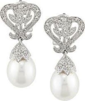 pearl earrings - elegant and ladylike - pearl photos.jpg